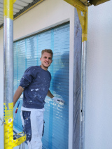 Fassadenanstrich bei bestem Wetter, im ländlichen Seppenrade, da macht die Arbeit doppelt Spaß.