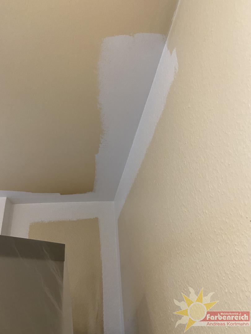 Nikotin und Küchendunst hat in dieser Küche ganze Arbeit geleistet, aber  mit der richtigen Farbe können wir auch hier das Problem in den Griff kriegen.-A0Nikotin und Küchendunst hat in dieser Küche ganze Arbeit geleistet, aber  mit der richtigen Farbe können wir auch hier das Problem in den Griff kriegen.67-4849-8335-F2B0AA6C4576
