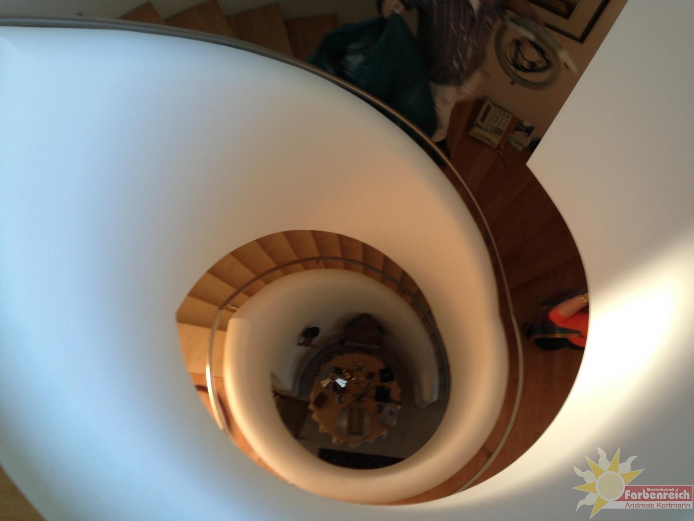 1 gedrehter Treppenlauf